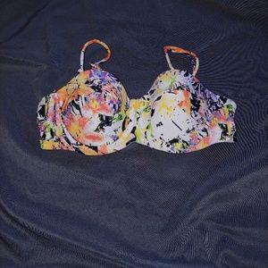 Jessica Simpson swim top